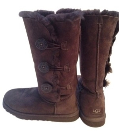 Preload https://item2.tradesy.com/images/ugg-australia-chocolate-dark-brown-classic-tall-with-buttons-bootsbooties-size-us-6-regular-m-b-29171-0-0.jpg?width=440&height=440