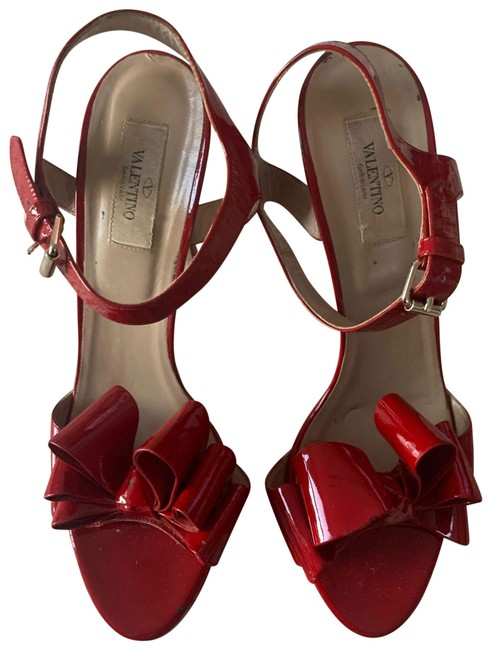 Item - Red Patent Bow Heels Formal Shoes Size EU 40.5 (Approx. US 10.5) Regular (M, B)