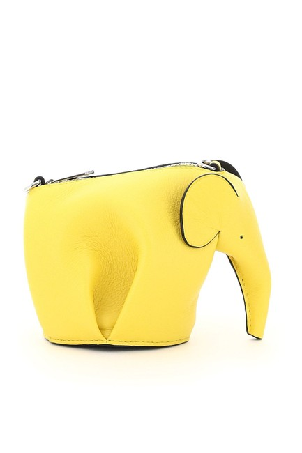 Loewe Elephant Pouch with Chain Yellow Leather Clutch Loewe Elephant Pouch with Chain Yellow Leather Clutch Image 2