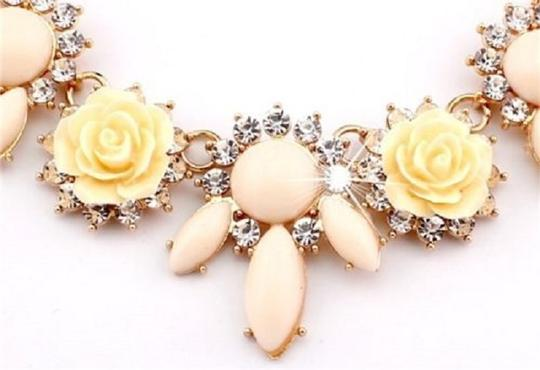 Other Beautiful Floral Crystal Statement Necklace