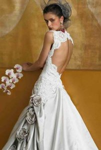 St. Pucchi Sposa 1095 Wedding Dress