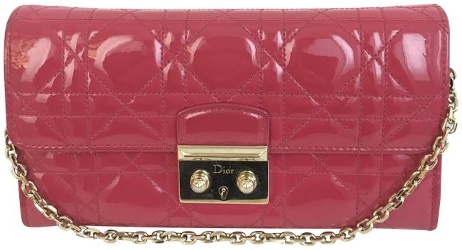 Item - Cannage Miss Chain Wallet Pink Patent Leather Clutch