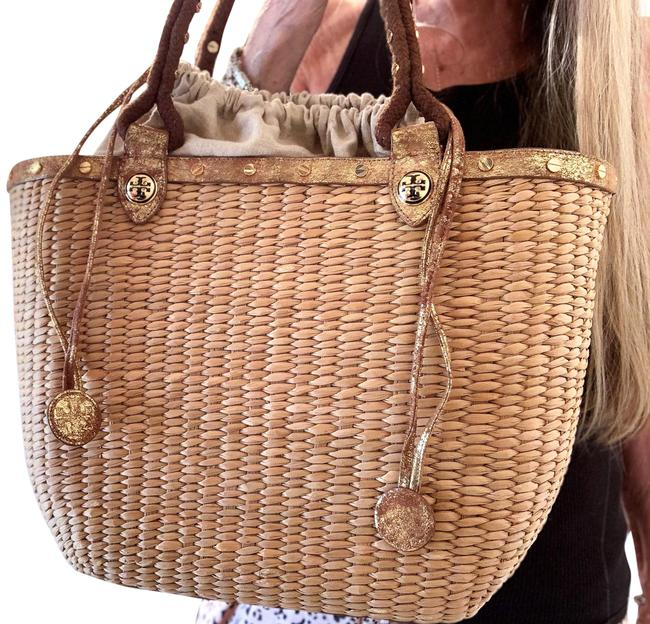 Item - Vintage Wicker/Straw Large Natural/Distressed Gold Straw/Wicker Metallic Leather Tote