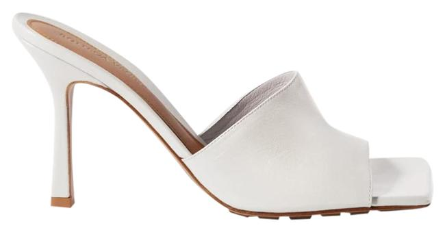 Item - White New Leather Heeled Sandals Mules/Slides Size EU 37.5 (Approx. US 7.5) Regular (M, B)