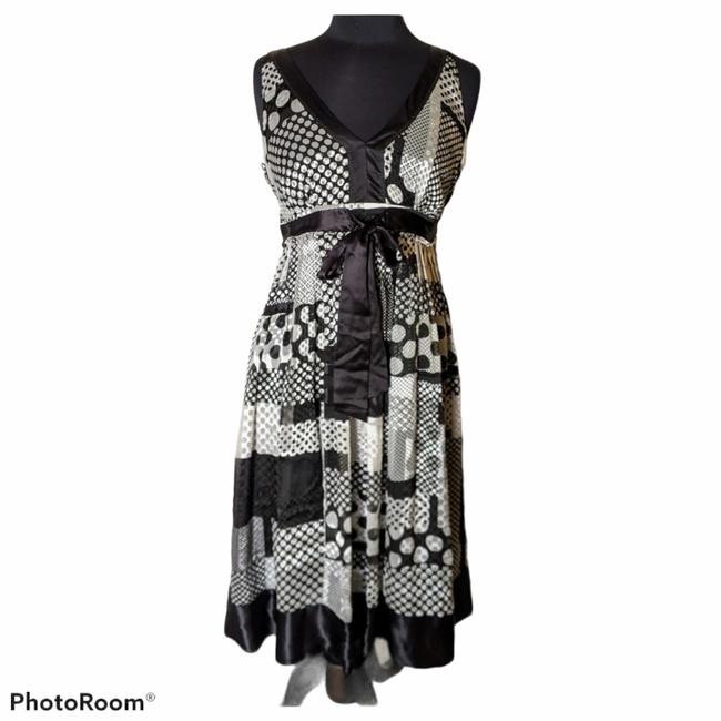 Item - Black White Silver Unknown Short Casual Dress Size 10 (M)