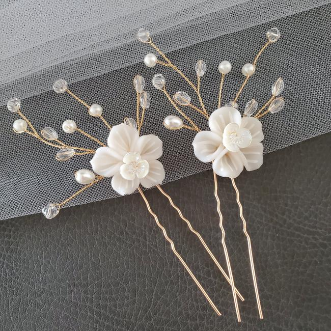 Item - White Girl Bride Hairpiece Floral Pin Flower Pins Bridesmaid Hair Accessory