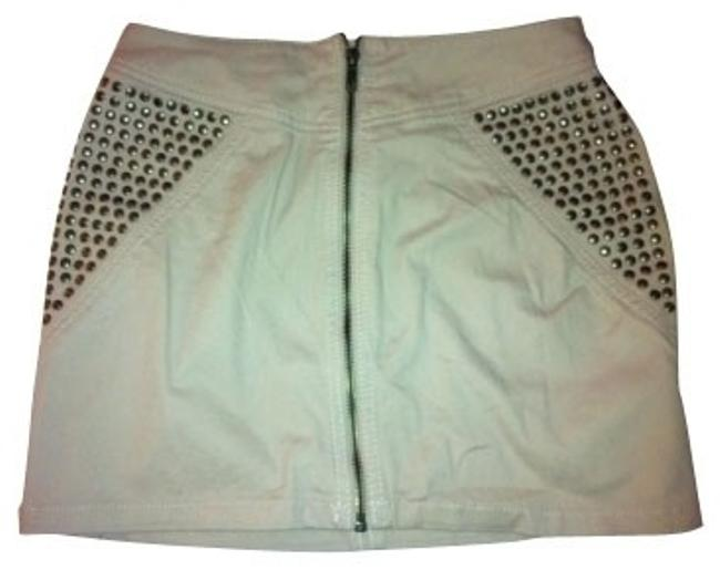 Preload https://item3.tradesy.com/images/h-and-m-light-pink-with-studds-miniskirt-size-6-s-28-292-0-0.jpg?width=400&height=650