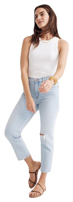 Item - Light Wash Relaxed Fit Jeans Size 6 (S, 28)