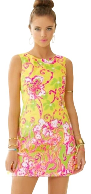Item - Yellow Pink Delia Shift Mid-length Short Casual Dress Size 0 (XS)