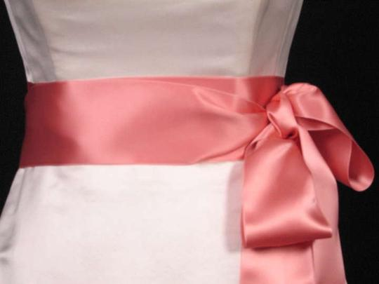 Preload https://img-static.tradesy.com/item/292106/tea-rose-pink-ribbon-sash-0-0-540-540.jpg