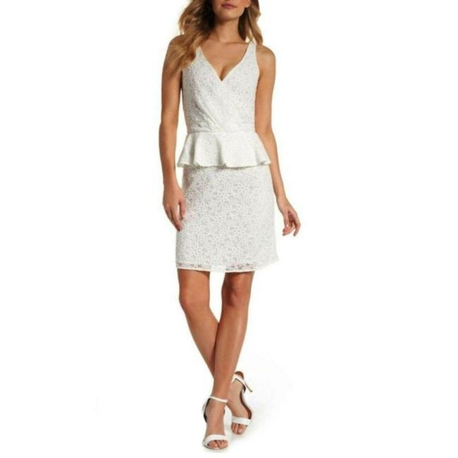 Item - White Lace Sleeveless Cocktail Mid-length Short Casual Dress Size 14 (L)