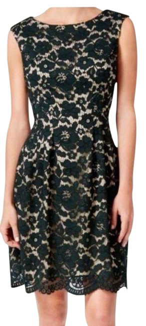 Item - Black and Nude Floral Lace Sheath Mid-length Cocktail Dress Size 4 (S)