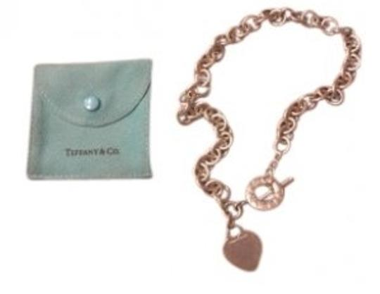Preload https://img-static.tradesy.com/item/29219/tiffany-and-co-silver-heart-tag-toggle-necklace-0-0-540-540.jpg