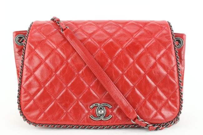 Item - Classic Flap Quilted Chain Around 453cas62 Red Leather Cross Body Bag