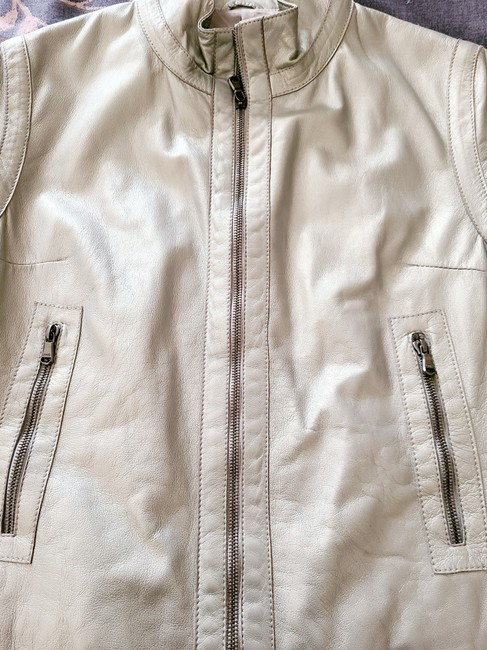 Burberry Silver Cropped Motorcycle Jacket Size 4 (S) Burberry Silver Cropped Motorcycle Jacket Size 4 (S) Image 2