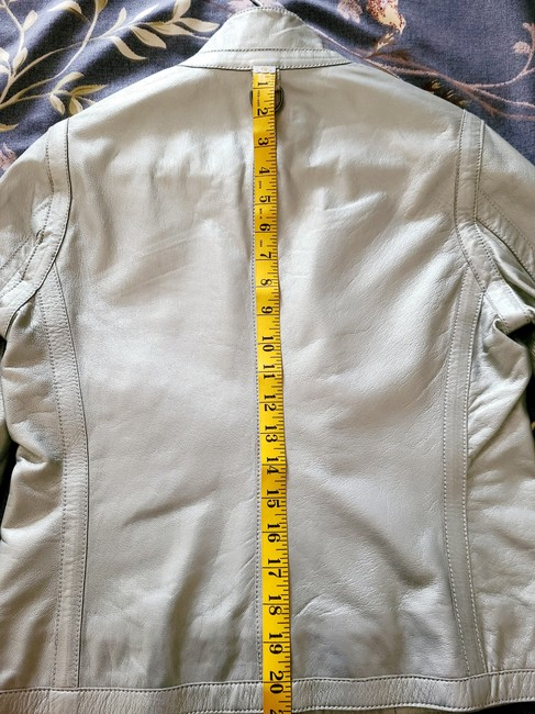 Burberry Silver Cropped Motorcycle Jacket Size 4 (S) Burberry Silver Cropped Motorcycle Jacket Size 4 (S) Image 9