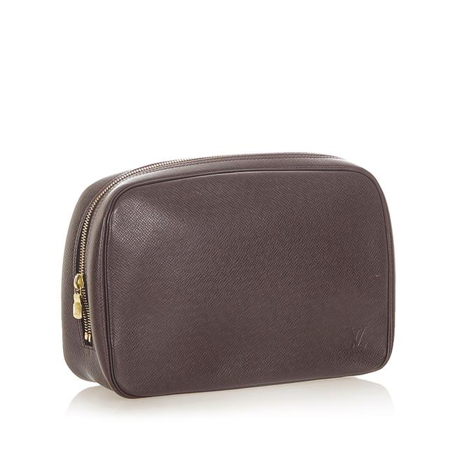 Item - Toiletry Pouch Taiga Gm Brown Leather Wristlet