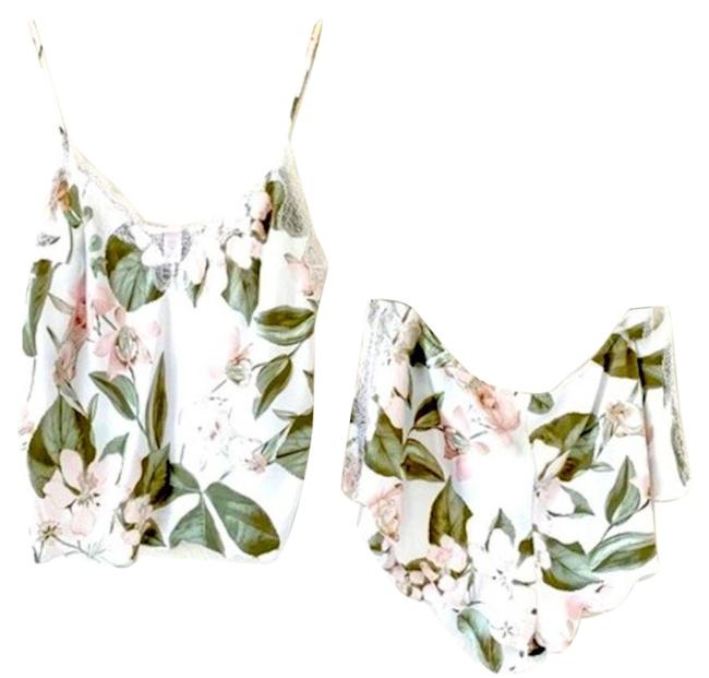 Item - White Here Comes The Bride Set Floral Medium Button-down Top Size 10 (M)