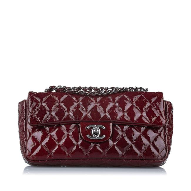 Item - Classic Flap East West Dust Ity Card Red Patent Leather Shoulder Bag