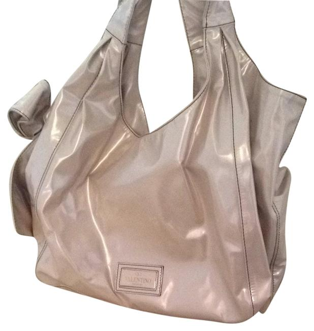 Item - Nuage Pearl Patent Leather Tote