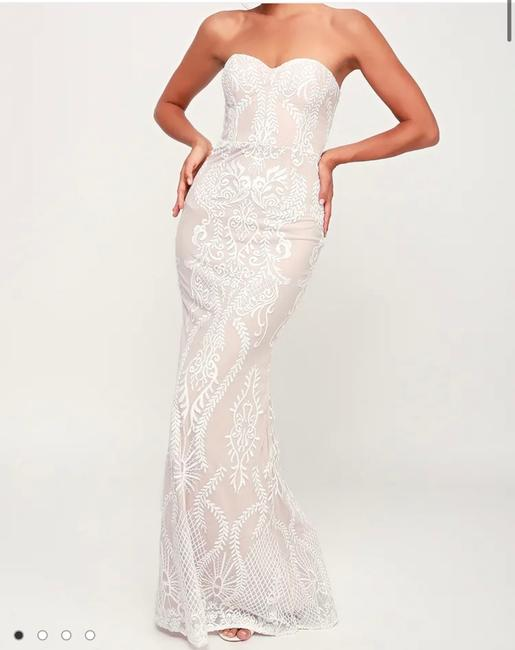 Item - White and Nude Polyester No Stretch Lace Strapless Maxi Formal Wedding Dress Size 8 (M)