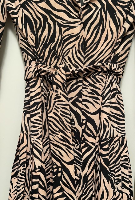 Topshop Light Pink and Black 125149 Mid-length Work/Office Dress Size 4 (S) Topshop Light Pink and Black 125149 Mid-length Work/Office Dress Size 4 (S) Image 2
