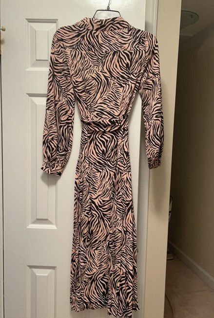 Topshop Light Pink and Black 125149 Mid-length Work/Office Dress Size 4 (S) Topshop Light Pink and Black 125149 Mid-length Work/Office Dress Size 4 (S) Image 6