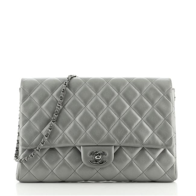 Item - With Chain Quilted Lambskin Gray Leather Clutch