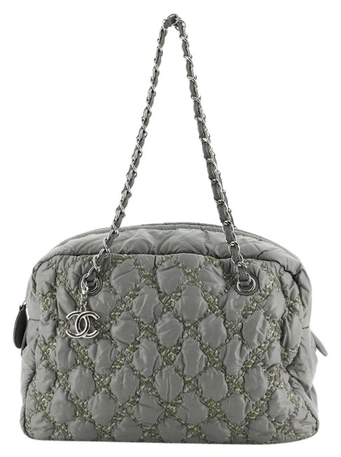 Item - Bowling Tweed On Stitch Bubble Quilted Large Gray Nylon Shoulder Bag