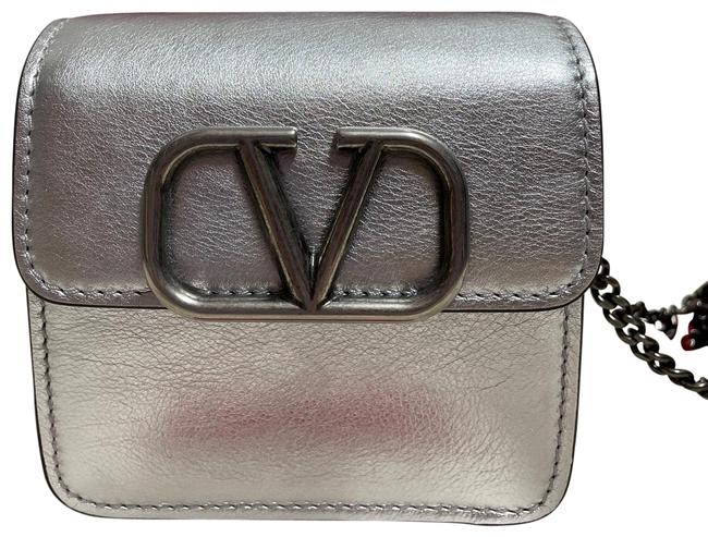 Item - Small Vsling Wallet-on-chain Silver Metallic Leather Cross Body Bag