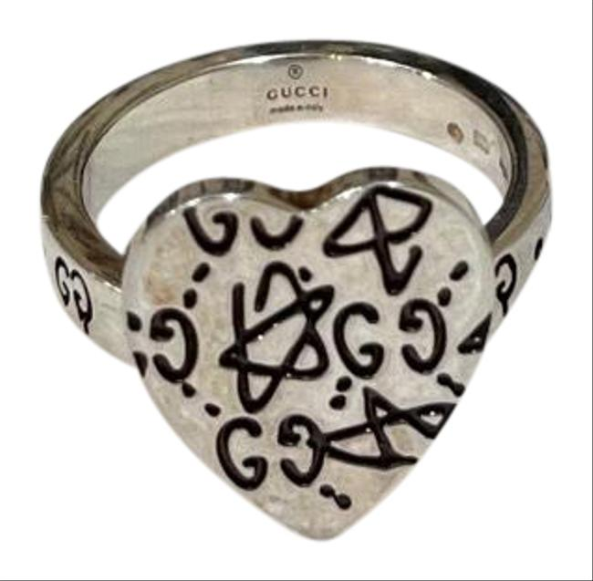 Item - Silver Ghost Heart Ring