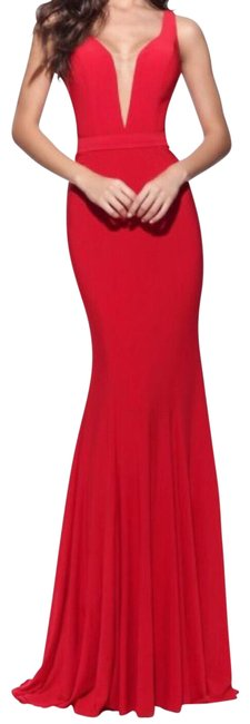 Item - Red Deep V Embroidered Long Formal Dress Size 0 (XS)