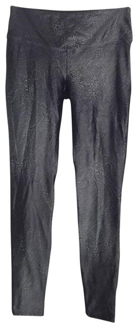 Item - Silver Metallic Abstract Front Solid Black Back Activewear Bottoms Size 8 (M, 29, 30)