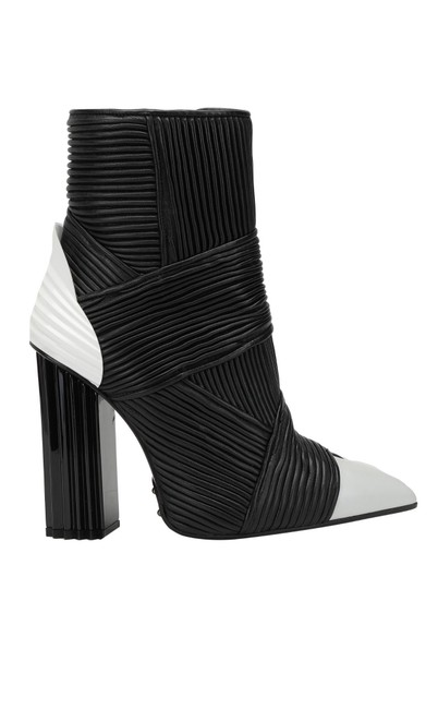 Item - Black White New Boots/Booties Size EU 38 (Approx. US 8) Regular (M, B)
