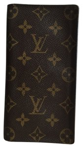 Louis Vuitton Louis Vuitton Checkbook, Passport & Credit Wallet