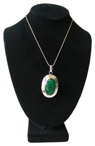 Large Emerald Stone Set in Sterling Silver Large Emerald Stone Set in Sterling Silver