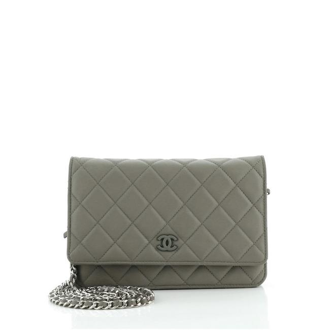 Item - Wallet on Chain Quilted Lambskin Green Leather Clutch