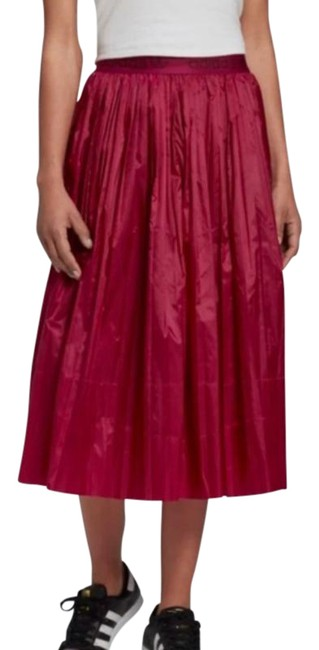 Item - Plum / Red Pleated Skirtpower Berry Small Skirt Size 4 (S, 27)