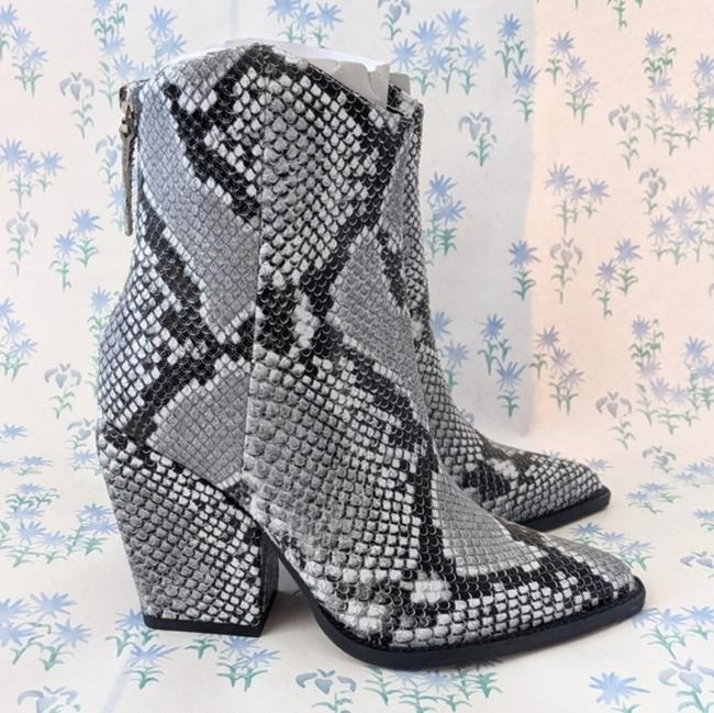 Alias Mae Gray West Pointed Toe Ankle Snake Boots/Booties Size EU 37 (Approx. US 7) Regular (M, B) Alias Mae Gray West Pointed Toe Ankle Snake Boots/Booties Size EU 37 (Approx. US 7) Regular (M, B) Image 5