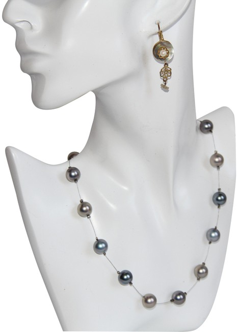 Item - Grey Vintage Illusion Glass Pearl and Earrings Necklace