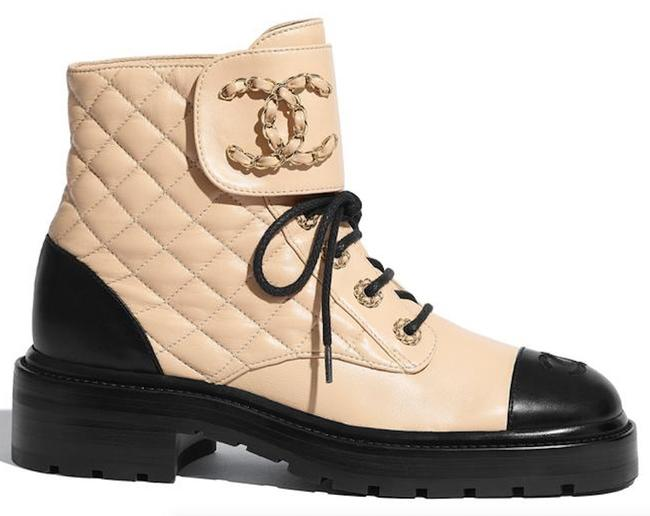 Item - Black & Beige And Logo Quilted Combat Boots/Booties Size EU 37 (Approx. US 7) Regular (M, B)