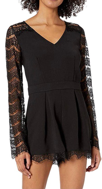 Item - Black Romper Sexy Lace Long Sleeves Zippered Shorts Size 6 (S, 28)