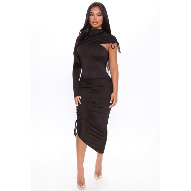 Item - Mid-length Night Out Dress Size 8 (M)