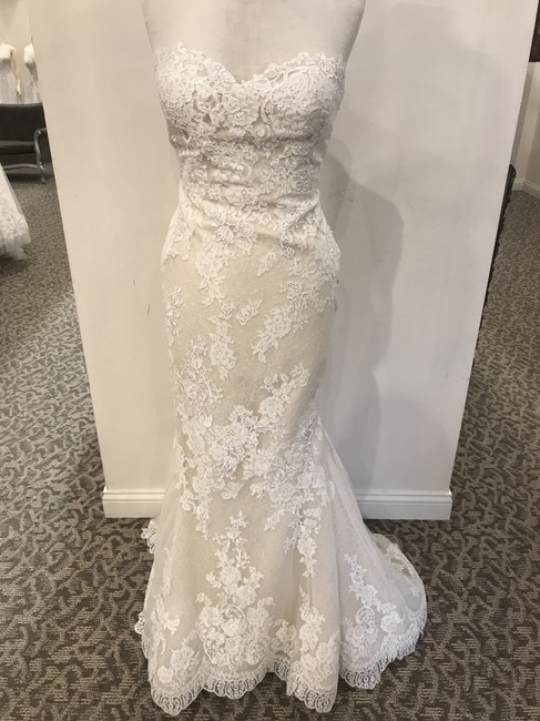 Item - Off-white/Nude Lace Princia Formal Wedding Dress Size 14 (L)