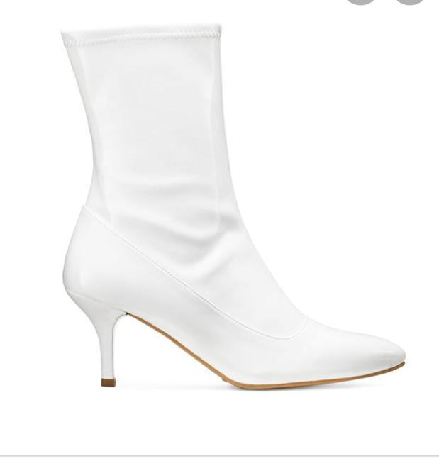 Item - White Cling Mimi Leather Ankle Boots/Booties Size US 7 Regular (M, B)