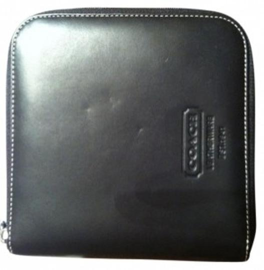 Preload https://item3.tradesy.com/images/coach-black-cd-case-leather-tech-accessory-29277-0-0.jpg?width=440&height=440
