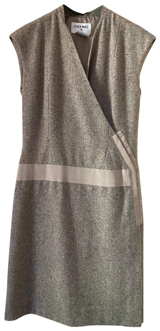 Chanel Tweed Sleeveless V Neck Wrap In Ecru Mid-length Short Casual Dress Size 4 (S) Chanel Tweed Sleeveless V Neck Wrap In Ecru Mid-length Short Casual Dress Size 4 (S) Image 1