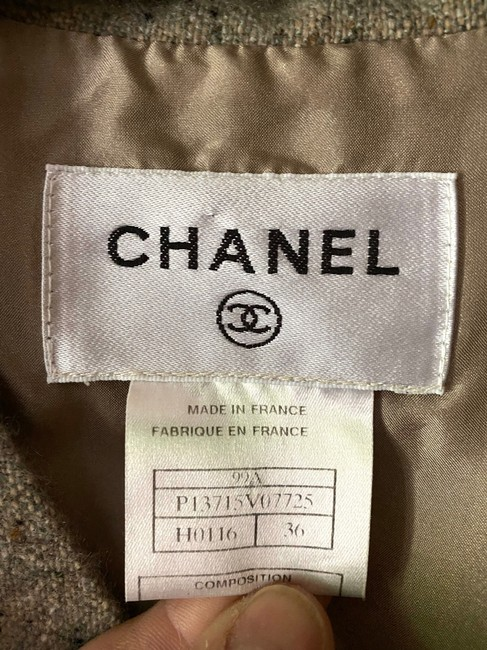 Chanel Tweed Sleeveless V Neck Wrap In Ecru Mid-length Short Casual Dress Size 4 (S) Chanel Tweed Sleeveless V Neck Wrap In Ecru Mid-length Short Casual Dress Size 4 (S) Image 3