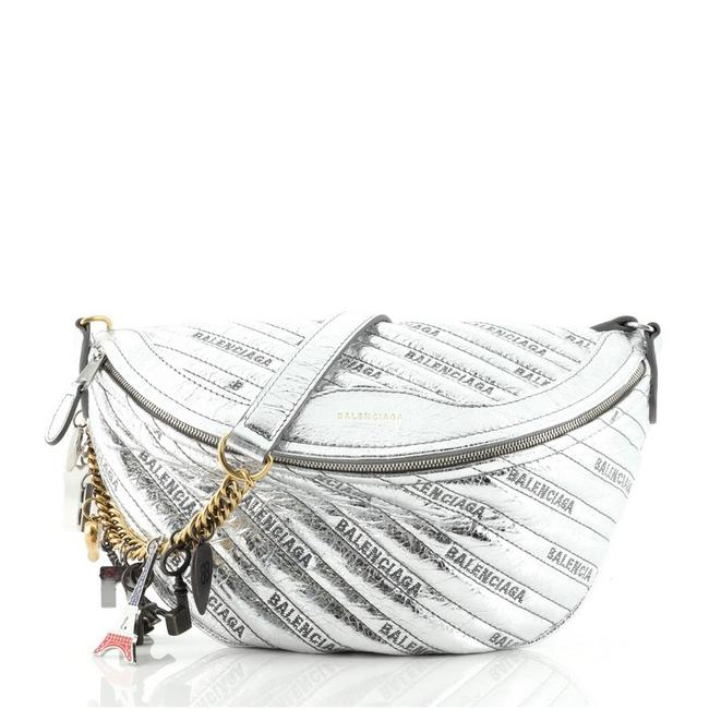 Item - Belt XS Souvenir Quilted Silver Leather Cross Body Bag