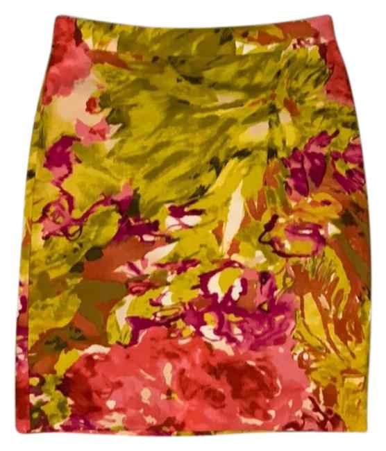 Item - Pink Green Floral Pencil Skirt Size 0 (XS, 25)